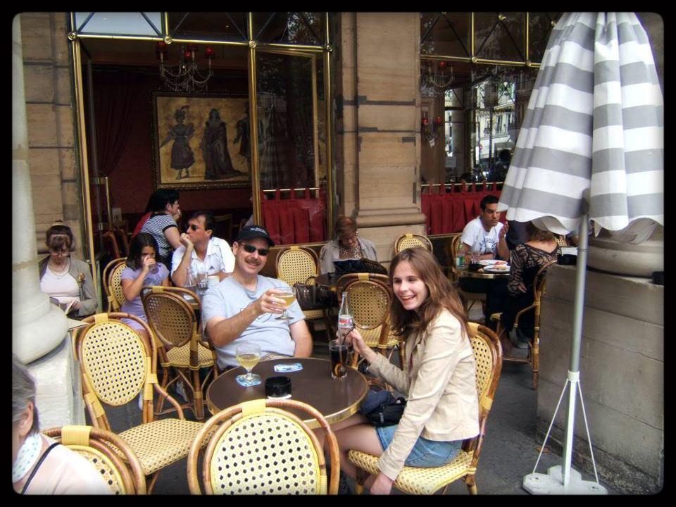 French Flirting vs. US Flirting! (guess who meows?) (2/3)