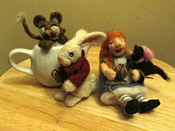 alice tea pot